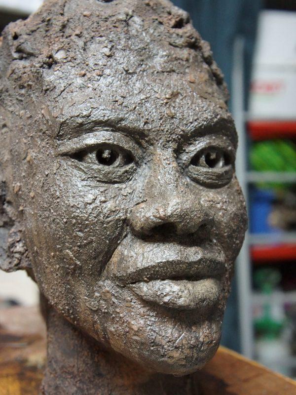 Sculpture modelage terre chamottée - Visage Homme Africain - David Pitre, Artiste Sculpteur